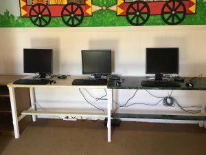 Cepudo computadoras y estufa casa de niños (2)