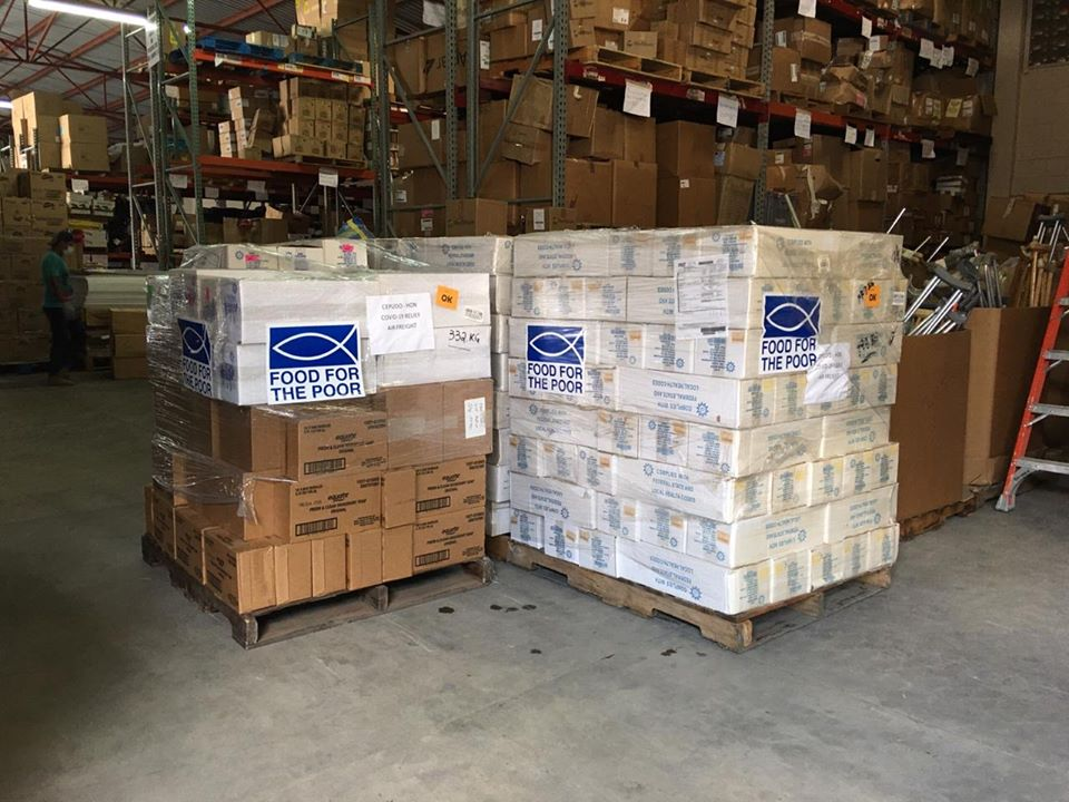 Donación de embarque con equipo de bioseguridad