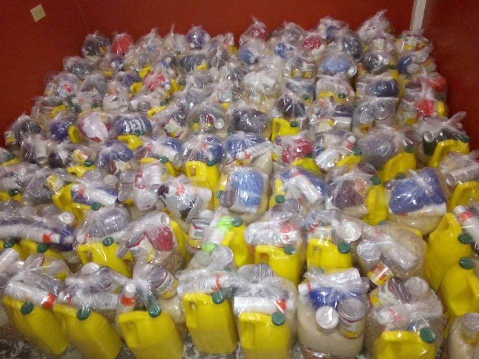 Donación de alimentos a Centro Educativo Koinonía