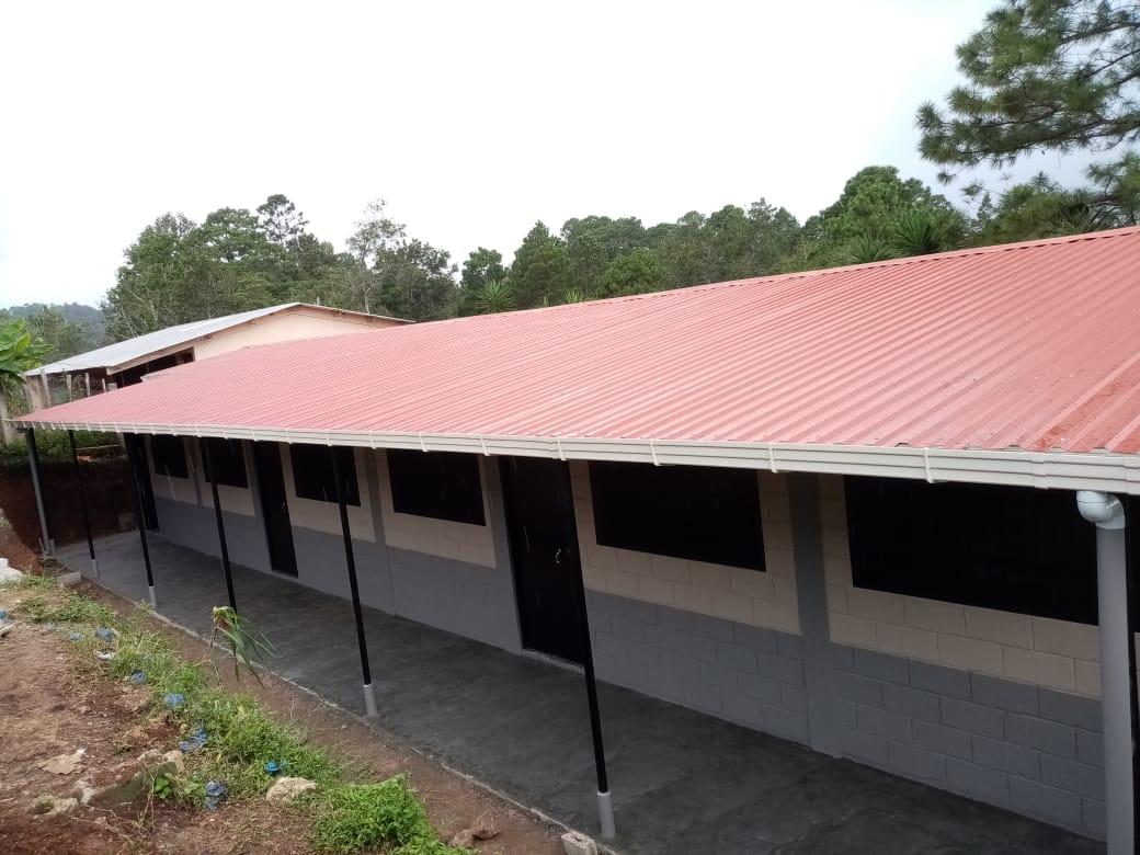 Construcción de la Escuela Modesto Rodas Alvarado en Santa Cruz, Lempira