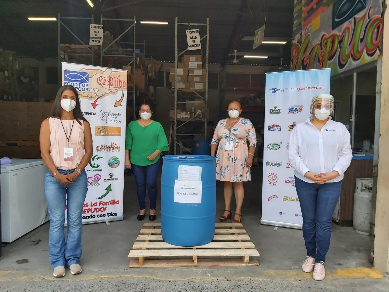 Donación de 440 galones de gel antibacterial