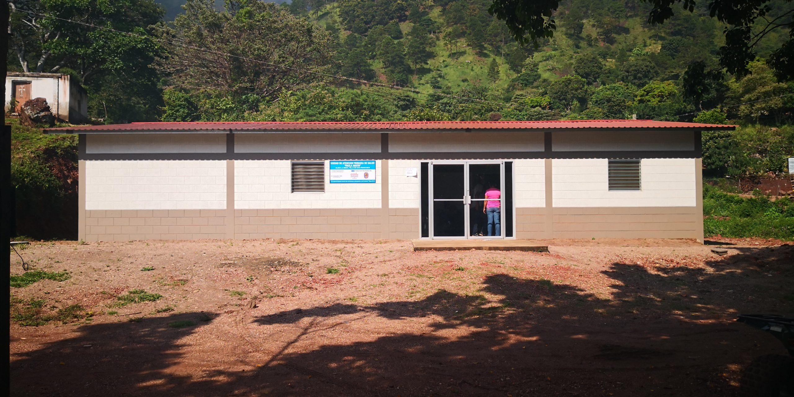 """Inauguración de la clínica """"Paula Amaya"""" en la comunidad La Mesa en Villa de San Francisco."""