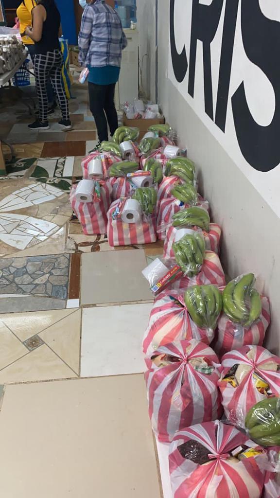 Brindado ayuda a nuestros compatriotas afectados por el Huracán ETA