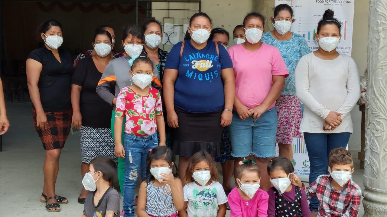 Donaciones en distintos albergues de Río Blanquito, Choloma, Cortés