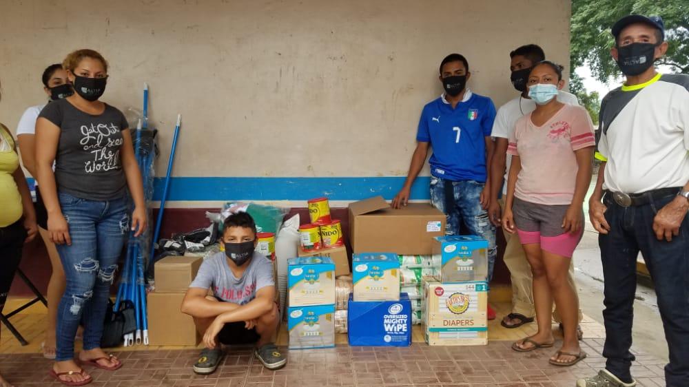 Donaciones en albergue Escuela San José, El Progreso, Yoro.